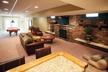 lower level rec area with bar